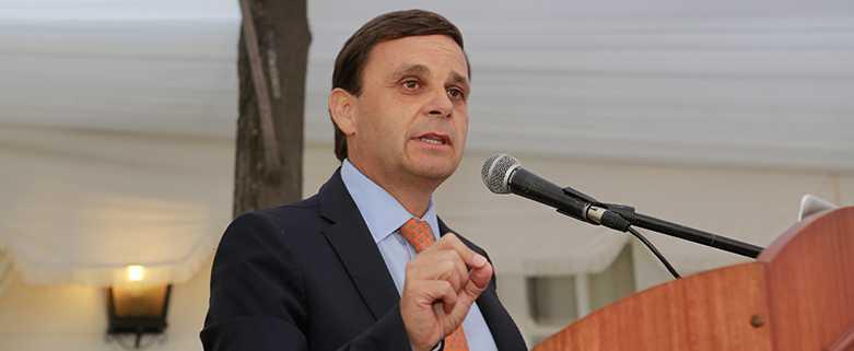 Alfonso Swett en picada contra el gobierno por ley de la jibia pero critica a Izquierdo (Foto: CPC)