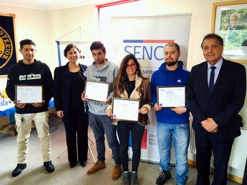 Certifican a 15 buzos acuícolas en la región de Aysén