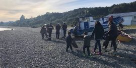 Salmonicultora celebra el Mes del Mar en isla Huar