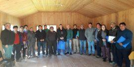 Pequeños productores de choritos se capacitan en formación de cooperativas