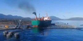 Sernapesca activa plan de contingencia por choque de embarcación salmonicultora