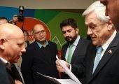 Trabajadores pesqueros entregan carta a Presidente Piñera