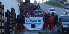 En Porvenir: Bakkavor se unió a escuela en limpieza del borde costero