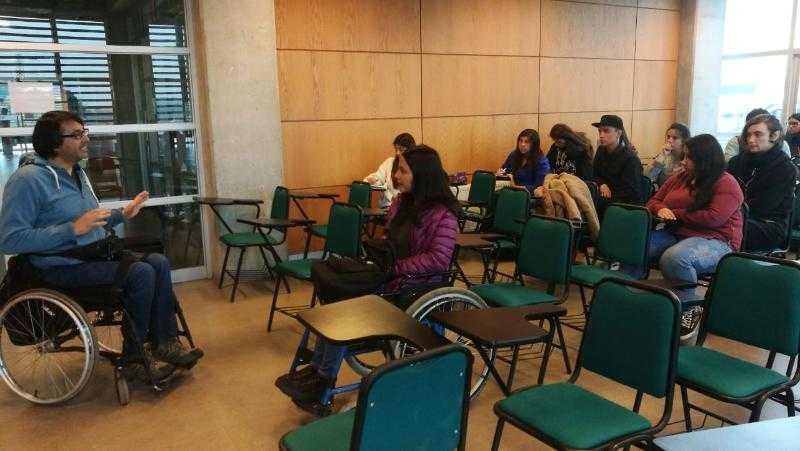 Charla motivacional e inclusiva dio inicio a año académico en la UCSC2