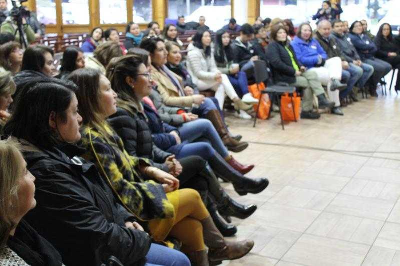 SalmonChile organizó una cumbre de mujeres en Aysén1