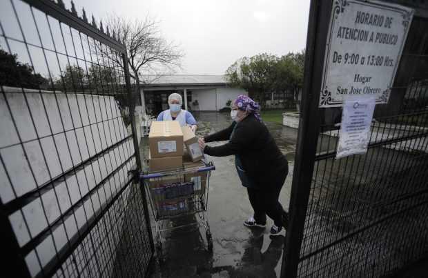 """[+FOTOS] """"Banco de Alimentos del Mar"""" ya ha entregado 18 mil kilos de pescado"""