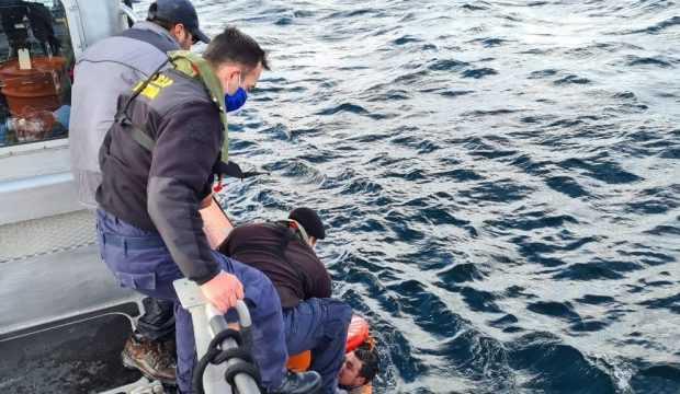 Rescatan a tres tripulantes en el área de Melinka