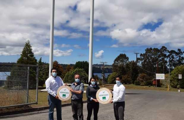 Se sumaron Chiloé y Magallanes: ACHS reconoce con sello de gestión Covid al 100% de las plantas de procesos de AquaChile