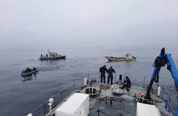Logran rescatar a cuatro pescadores al garete en San Antonio