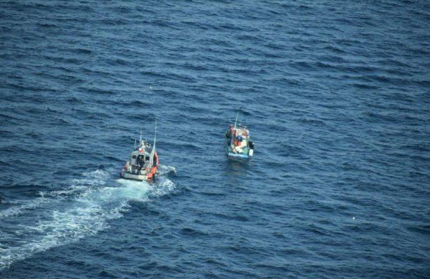 [+FOTOS] Entregan detalles de la operación que detectó cinco naves operando ilegalmente en Aysén (foto: Armada de Chile)